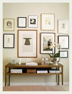 Ikea Stockholm Table and Gallery Wall Inspiration Wand, Interior Inspiration, Design Inspiration, Design Ideas, Creating An Entryway, Photo Deco, Home Decoracion, Deco Design, Scandinavian Home