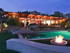 Scarlett Johansson & Ryan Reynolds's Former L.A. Home