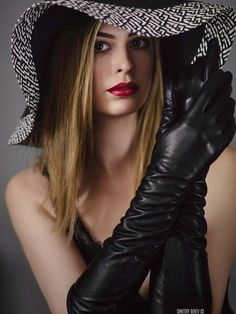 Girl Meets Glam, Elegant Gloves, Gloves Fashion, Black Leather Gloves, Long Gloves, Fancy Hats, Cosplay, Madame, Leather Fashion