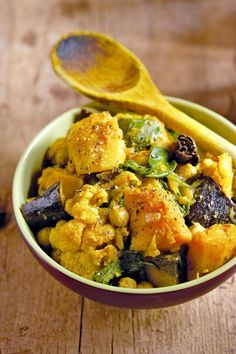 Indické zeleninové kari, Foto: isifa.com Veggie Recipes, Indian Food Recipes, Vegetarian Recipes, Healthy Recipes, Ethnic Recipes, Delicious Recipes, Healthy Cooking, Cooking Recipes, Healthy Food