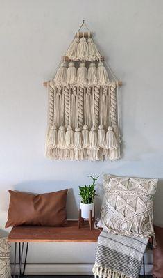 Yarn Wall Hanging, Large Macrame Wall Hanging, Tapestry Wall Hanging, Wall Hangings, Yarn Sizes, Hanging Photos, Modern Wall Decor, Large Wall Art, Mid-century Modern