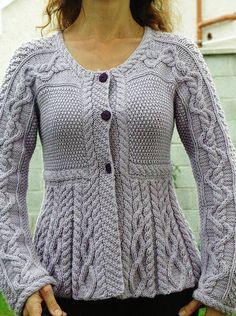 Free Pattern for Ravelry members, beautiful SilverBelles by LillySmuul,