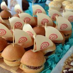 Birthday party decoracion moana New ideas Party Moana, Moana Birthday Party Theme, Moana Themed Party, 6th Birthday Parties, Luau Party, 2nd Birthday, Birthday Ideas, Festa Moana Baby, Hawaiian Birthday