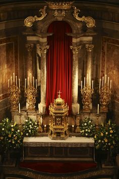 Altar of Repose of the London Oratory St Joseph Catholic, Catholic Altar, Roman Catholic, Catholic Churches, Sacred Architecture, Church Architecture, Beautiful Architecture, Christmas Wedding Themes, Holy Thursday