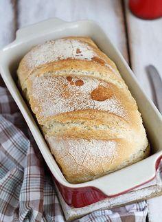 A recept megjelent a Kifőztük májusi számában Valahol el kell kezdeni....nincs se kovász, se elő tészta, se kenyérmag. Az első kenyér. Lehet próbálkozni. Az első után meg jöhet a sokadik. A kenyérből Ketogenic Recipes, Diet Recipes, Vegan Recipes, Bread And Pastries, Homemade Pasta, Russian Recipes, Keto Dinner, Bread Baking, Bread Recipes