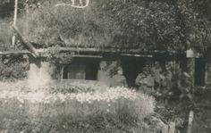 Soldaten vor einer Hütte, 1918