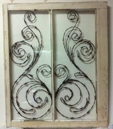 Antique Windows, Old Windows, Rustic Windows, Barb Wire Crafts, Wood Crafts, Barbed Wire Art, Creation Deco, Window Art, Window Frames