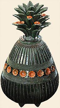"Artesania de ""Patzcuaro"". Michoacan México. Mexican Crafts, Mexican Art, Pineapple Art, Mexican Ceramics, Central America, Artisan, Arts And Crafts, Pottery, Clay"
