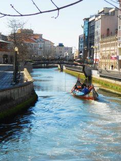 "#Aveiro, #Portugal sailing in a ""Moliceiro"" boat in the portuguese Venice"