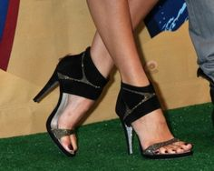 Shailene Woodley #shoes #fashion #celebrity #heels