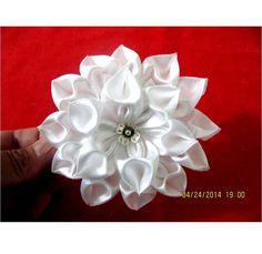 Flores  blancas Kanzashi diamantes corazón en cintas para el cabello