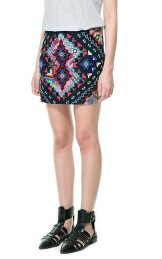 elblogdeanasuero_Minifaldas estampadas_Zara TRF étnica bordada colores