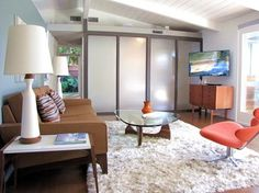 1953 Cliff May Mid-Century Modern home, Long Beach, California - The glass divider is typical of his homes, screening a hallway to the Master Suite...