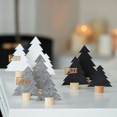 DIY mini Christmas trees from cork and felt - DIY instructions for wine . , DIY mini Christmas trees from cork and felt - DIY instructions for wine . Mini Christmas Tree, Christmas 2019, Christmas Crafts, Christmas Decorations, Xmas, Christmas Ornaments, Holiday Decor, Christmas Design, Simple Christmas