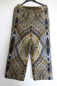 Voorzijde pantalon Vlisco stof