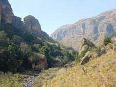 Mafadi Peak Drakensberg I Am An African, Le Cap, South Africa, Landscapes, Hiking, Mountains, Places, Nature, Travel