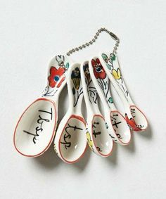 Molly Hatch Flowerpatch Measuring Spoons [Anthropologie] - so adorable! Kitchen Items, Kitchen Tools, Kitchen Gadgets, Kitchen Things, Baking Gadgets, Kitchen Supplies, Kitchen Stuff, Kitchen Appliances, Molly Hatch