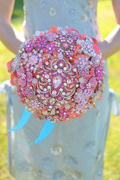 What do you think of this bouquet? A keepsake bouquet Broschen Bouquets, Funny Wedding Photos, Wedding Brooch Bouquets, Indian Summer, Just In Case, Flower Arrangements, Marie, Wedding Flowers, Wedding Dresses