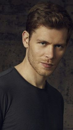 Klaus From Vampire Diaries, The Vampire Diaries Characters, Vampire Diaries Wallpaper, Vampire Diaries Funny, Vampire Diaries The Originals, Joseph Morgan, Daniel Gillies, Jamie Fraser, Klaus Tvd