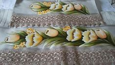 Tole Painting, Easter Crafts, Stencils, Instagram, Bath Towels & Washcloths, Hand Towels, Embroidered Towels, Turkish Towels, Fabric Flowers