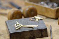 brooch Cufflinks, Jewelry Making, Brooch, Accessories, Brooches, Jewellery Making, Make Jewelry, Wedding Cufflinks, Diy Jewelry Making