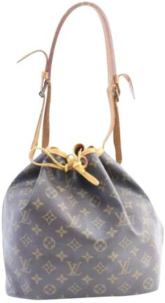c69e815cccaa Discover an amazing selection of second-hand luxury Louis Vuitton bags for  women at Vestiaire Collective.