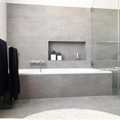 32 Small Bathroom Design Ideas for Every Taste - The Trending House Light Grey Bathrooms, White Bathroom, Bathroom Interior, Small Bathroom, Grey Bathroom Tiles, Colorful Bathroom, Tub Tile, Shower Tiles, Bathroom Wallpaper