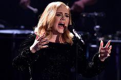 Cantora de 27 anos também critica quem deixa a fama subir à cabeça
