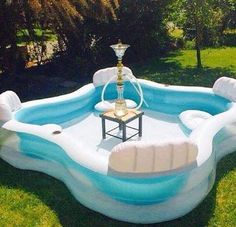 Pool mit Shisha-Bar