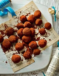 Mocha truffles made with love. Easy, pretty and delicious - what more could you ask for?