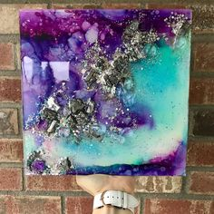 ✖️ I loved doing silver detailing on this one, and I'm so thankful you guys like these as much as I do 🤩 Check out the close up video on my IG page.This piece features faux crystals and glitter embedded in resin, over an orignal alcohol ink Alcohol Ink Crafts, Alcohol Ink Painting, Alcohol Ink Art, Action Painting, Pour Painting, Acrylic Pouring Art, Acrylic Art, Pintura Glitter, Resin Artwork