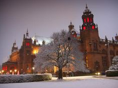 KELVINGROVE ART GALLERY AND MUSEUM, GLASGOW, UNDER SNOW