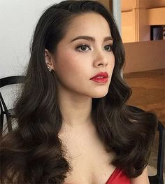ญาญ่า อุรัสยา Yaya Urassaya Sperbund Asian Wedding Makeup, Bridal Hair And Makeup, Prom Makeup, Hair Makeup, Red Dress Makeup, Red Lips Makeup Look, Pretty Makeup, Makeup Looks, Pretty Hairstyles
