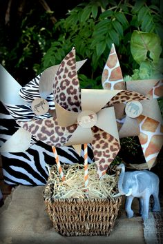 DIY Printable Safari Pinwheels - great for a jungle party!