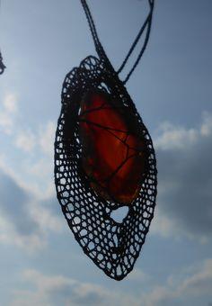 Zamotaný+achátový+Náhrdelník, - paličkovaná krajka, bobbin lace, autor: Lenka Maslova Spetlova, Hostinné, Atelier ROS ZEFYRA s.r.o.
