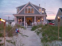 Inspiration: Villa Traum am Strand *** Cape Cod vacation rental. Would love to rent this house.