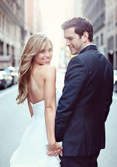 City wedding--LOVE this pose/shot--gonna need to do this I think ;-)