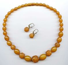 Vtg Carved Butterscotch Amber Plastic Graduated Strand Necklace & Earrings Set #NotSigned