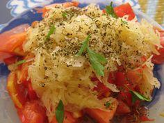Una receta anticáncer... tomate rico en licopeno  y de temporada en estos momentos, y chucrut  un alimento fermentado muy interesante po...