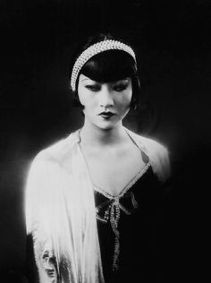 Anna May Wong as Shosho in Piccadilly (E.A. Dupont, 1929)