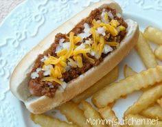 Mommy's Kitchen - Home Cooking & Family Friendly Recipes: Hot Dog Sauce (Coney Dogs) Hot Dog Recipes, Crockpot Recipes, Cooking Recipes, Chili Recipes, Yummy Recipes, Coney Dog Sauce, Hot Dog Chili, Chili Dogs, Football Food