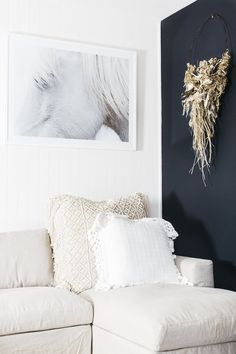 Hamptons furniture and homewares white linen sofa with horse artwork Hamptons Style Decor, Les Hamptons, Hamptons Kitchen, Home Interior Design, Interior Styling, Hampton Furniture, Store Interiors, Linen Sofa, Minimalist Home