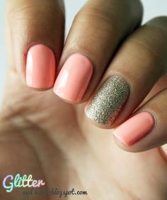Peach Mani & Gold Glitter Accent Nail