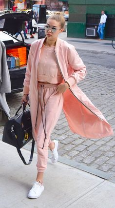 Pin for Later: Gigi and Bella Will Inspire You to Embrace Fashion's Chillest Trend Dare to wear athletic-inspired clothes in a surprising color. Sporty Chic Outfits, Sneakers Fashion Outfits, Casual Outfits, Fashionable Outfits, Fashion Shoes, Look Athleisure, Athleisure Fashion, Sport Style, Pink Sweat Suits