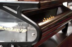 The Strada by La Marzocco, it´s a beauty! Coffee Machine, Espresso Machine, Espresso Coffee, Cafe Design, Design Inspiration, Beauty, Espresso Coffee Machine, Cafeteria Design, Expresso Coffee