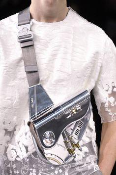 Dior's Sorayama Metal Saddle bag at the techno-futuristic Dior Homme pre-fall 2019 show held in Tokyo features Artist Hajime Sorayama Dior Saddle Bag, Saddle Bags, Mens Crossbody Bag, Tote Bag, Louis Vuitton Trunk, La Mode Masculine, Luxury Bags, Gift Bags, Travel Bags