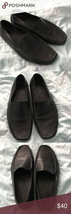 Authentic women's cole haan loafers 👞 Men's authentic cole haan loafers. Size 7. Color black. Good condition Cole Haan Shoes Loafers & Slip-Ons