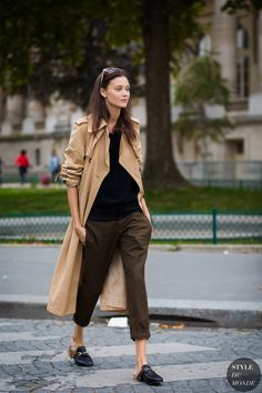 Diana Moldovan Street Style Street Fashion Streetsnaps by STYLEDUMONDE Street Style Fashion Photography