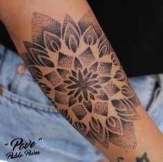Ich mag keine eleganten tattoo old school tattoo arm tattoo tattoo tattoos tattoo antebrazo arm sleeve tattoo Tattoos Bein, Dot Tattoos, Dot Work Tattoo, Trendy Tattoos, Flower Tattoos, Tattoos For Guys, Tatoos, Dotwork Tattoo Mandala, Mandala Tattoo Sleeve