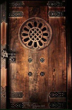 12-Turhan Nacar-KİLİTLER,KAPILAR... _____________________________________________ Old Doors, Windows And Doors, Door Design, Window Design, Japanese Door, Japanese Temple, Book Of Secrets, Meiji Shrine, Knock Knock